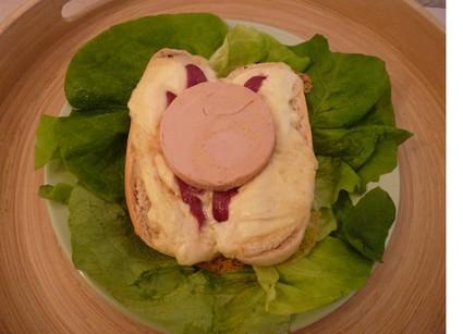 Recette de salade de saint-marcellin, magret et foie gras
