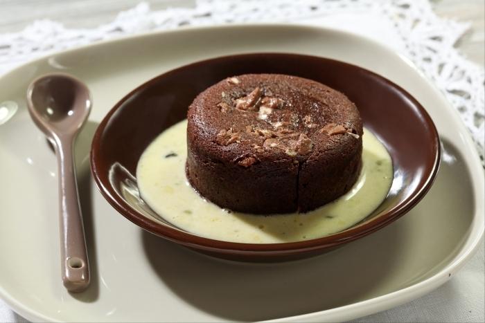 Recette de fondant au chocolat et gianduja, crème anglaise à la ...