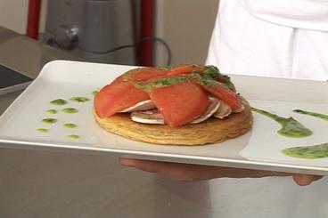Recette de tarte fine croustillante à la tomate et aux champignons ...