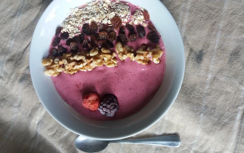 Recette smoothie bowl aux fruits rouges pas chère et instantané ...