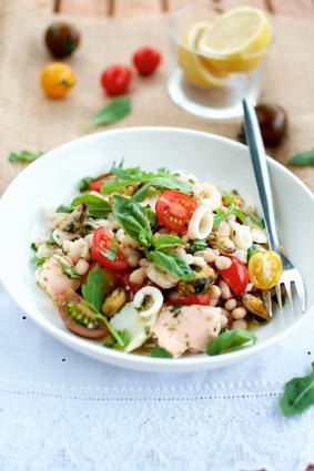 Recette de salade de haricots blancs et fruits de mer à l'italienne