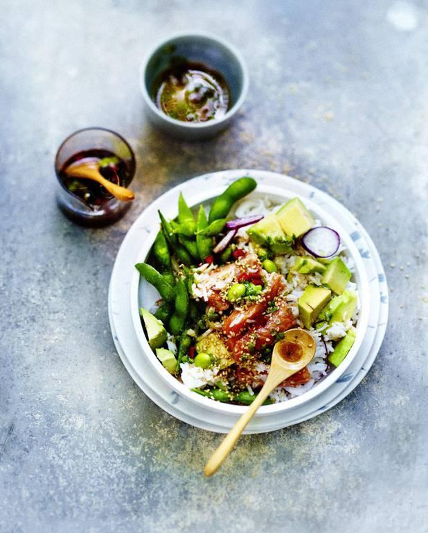 Poke bowl saumon, légumes, sauce sésame pour 6 personnes ...