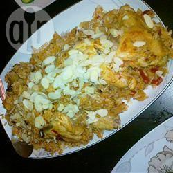 Al kabsa (recette traditionnelle saoudienne de poulet et de riz)