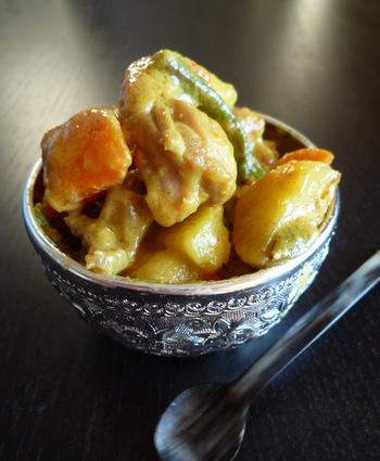 Recette de curry de poulet aux épices et ses légumes