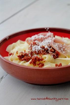 Recette de tagliatelles au pesto de tomates séchées