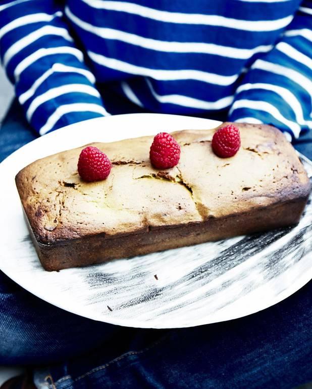 Cake matcha, chocolat blanc et framboises pour 8 personnes ...