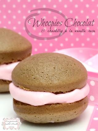 Recette de whoopies au chocolat et chantilly à la vanille rose