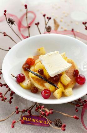 Recette de pancakes poires, vanille, raisins et boursault