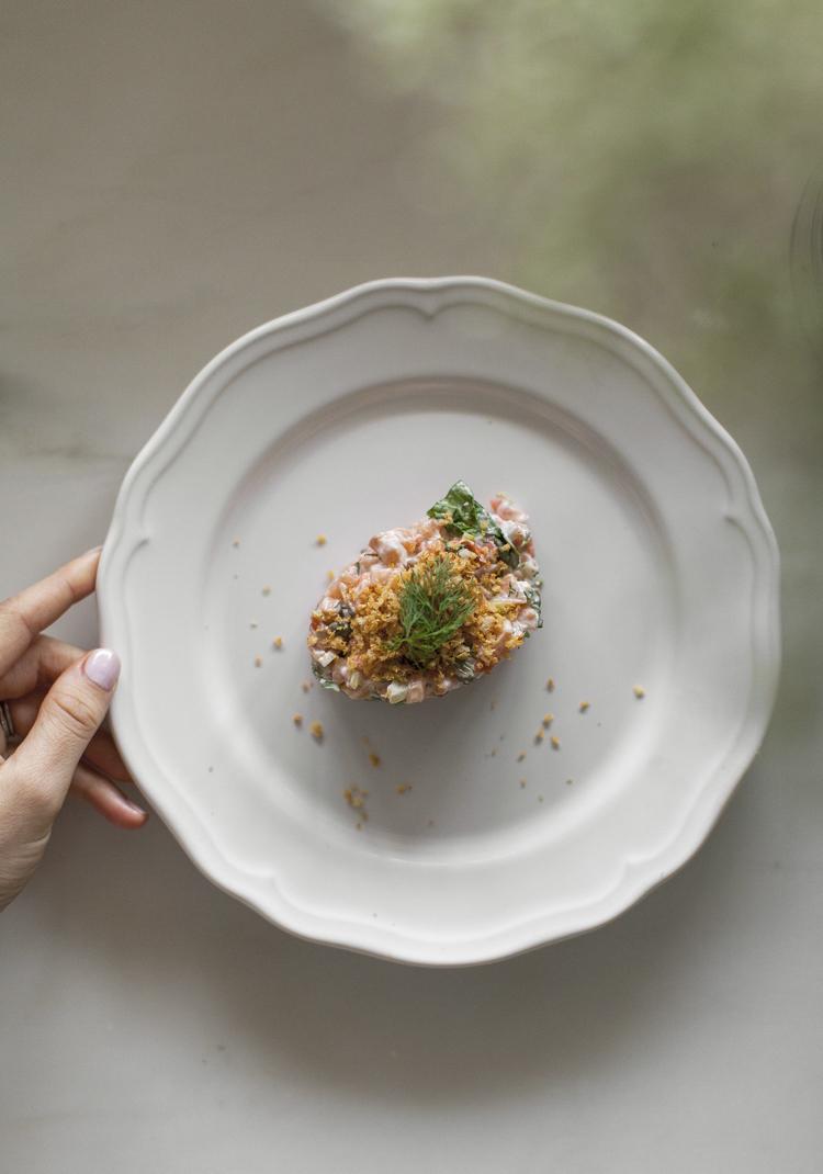 Tartare de duo de saumon & crumble de panko