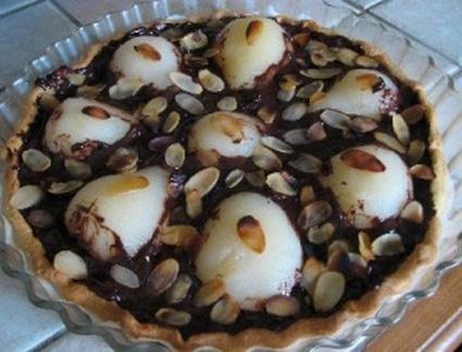 Recette de tarte aux poires, chocolat et amandes effilées
