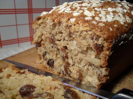Recette de cake son d'avoine, amandes et raisins secs