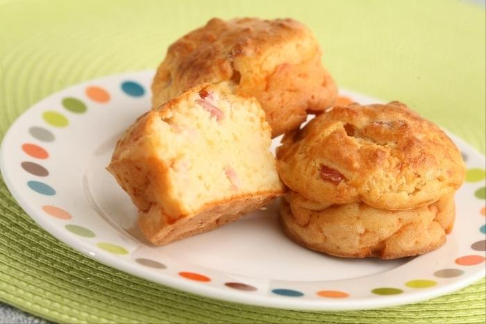 Recette de muffins au fromage et lardons paysans facile et rapide