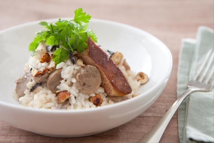Recette de risotto crémeux aux champignons et noisettes, foie gras ...