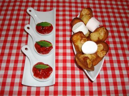 Recette de cuillères au confit de fraises et madeleines à la ...