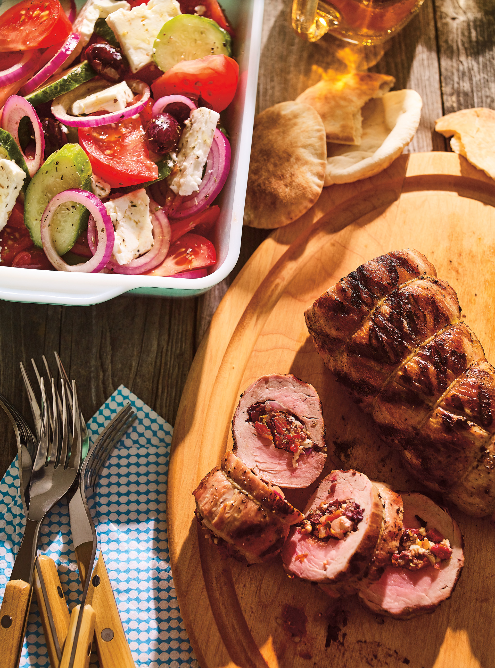 Filet de porc à la salade grecque | ricardo
