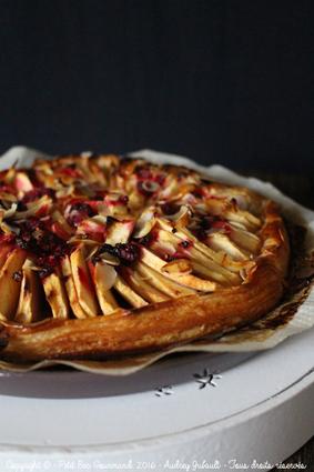 Recette de tarte fine aux pommes, framboises et amandes