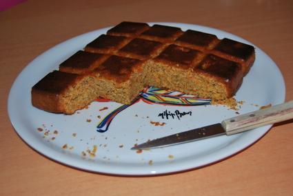 Recette de gâteau aux carottes, pommes et noisettes