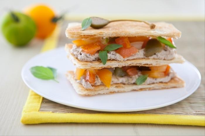 Recette de mille-feuille sardines et tomates colorées facile et rapide