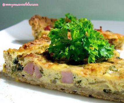 Recette de tarte aux oignons, jambon et persil