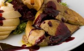 Escalopes de foie gras chaud de canard sirupeux de vin