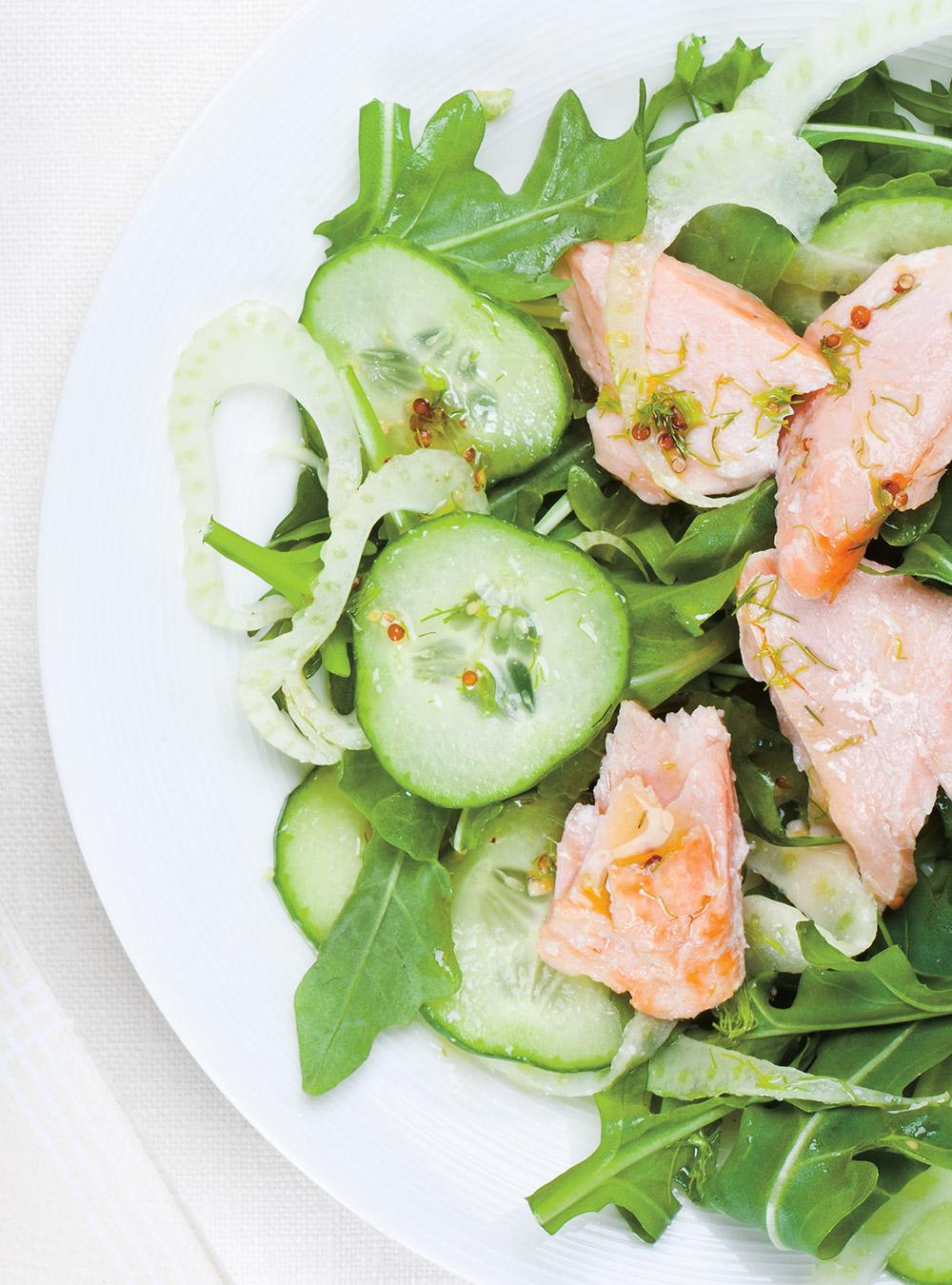 Salade de saumon froid, concombre et fenouil à l'aneth | ricardo