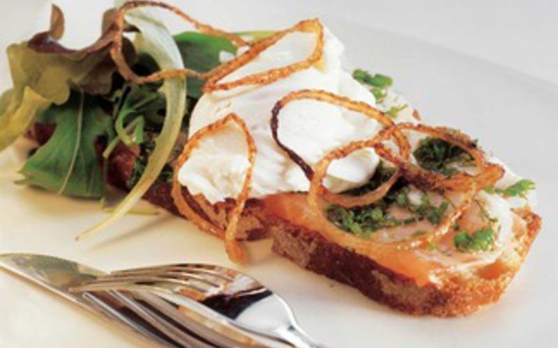 Recette tartines à base d'oignons confits économique et facile ...