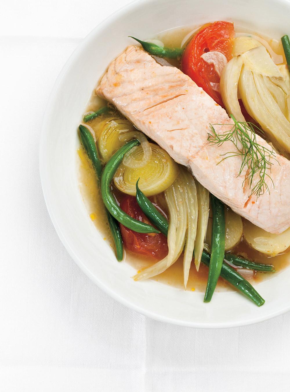 Casserole de légumes et saumon vapeur   ricardo