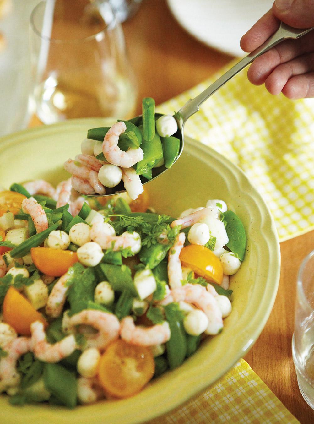 Salade de crevettes, tomates et bocconcinis | ricardo