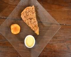 Tarte crumble abricots et spéculoos accompagnée de sa crème ...