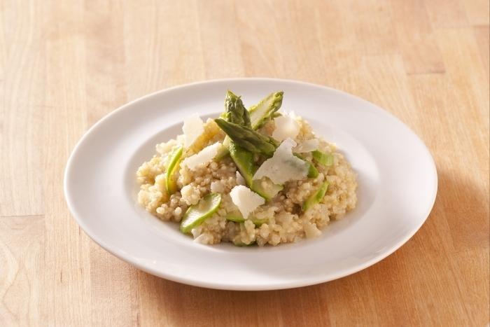 Recette de risotto de quinoa et asperges vertes facile et rapide