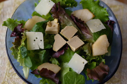 Recette de mesclun aux poires et au foie gras