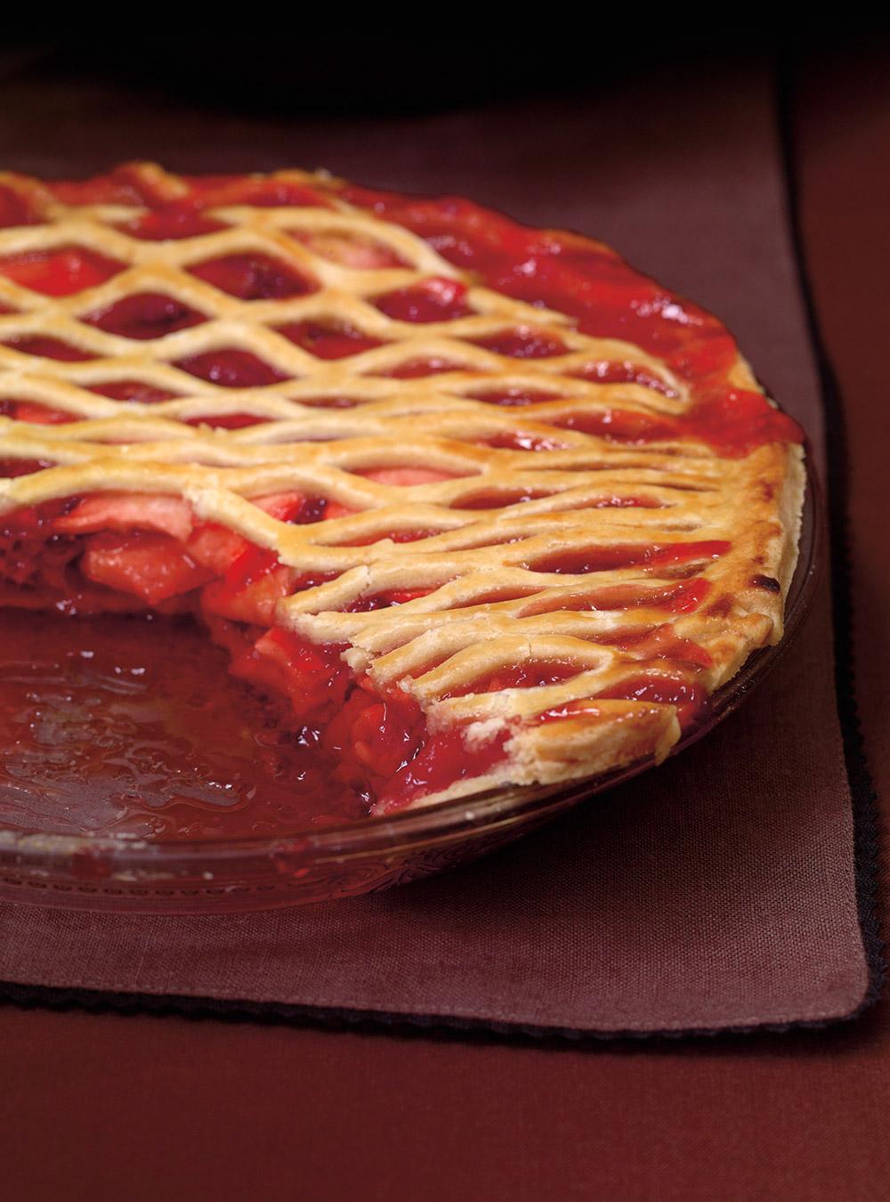 Tarte aux pommes et aux fraises | ricardo