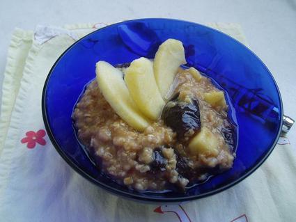 Recette de porridge pommes-pruneaux