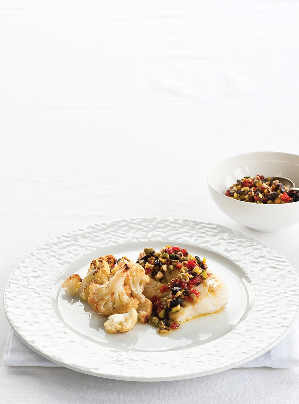 Poisson aux pistaches et aux tomates séchées, chou-fleur grillé ...