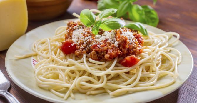 Recette de spaghettis à la bolognaise allégée au vin blanc