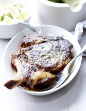 C te de boeuf aux myrtilles et pignons de pin pour 4 personnes recette - Duree cuisson cote de boeuf ...