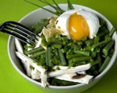 Recette salade d'haricots verts et de champignons à l'oeuf poché