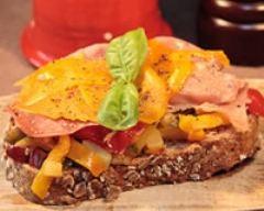 Recette tartines aux légumes, jambon et fromage