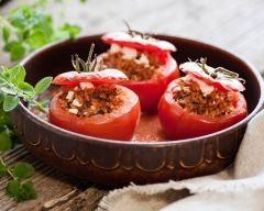 Recette tomates farcies au riz, pignons, raisins secs et feta