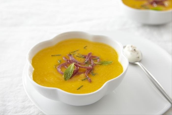 Recette de soupe froide de melon à la fleur de sel, crème fraîche ...