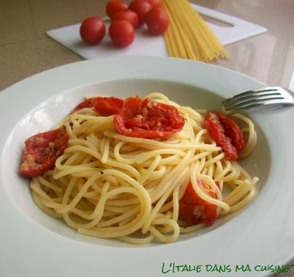 Recette de spaghetti aux tomates-cerises au four à la mode de ...