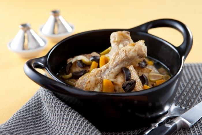Recette de tajine de cuisses de poulet aux olives noires facile et ...