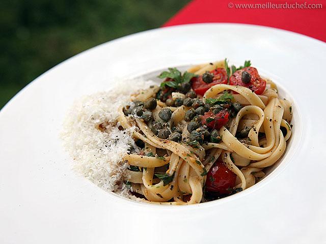 Fettucce aux tomates et aux câpres au sel de sicile  recette de ...