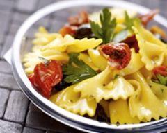 Recette salade de pâtes et tomates confites