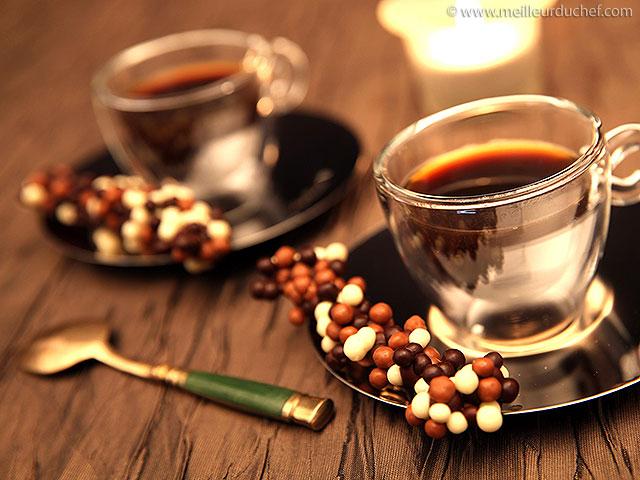 Barre chocolat aux perles chocolatées biscuitées  la recette avec ...