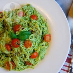 Recette spaghetti de courgette au pesto d'avocat – toutes les ...