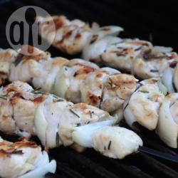 Recette brochettes de poulet mariné au romarin – toutes les ...