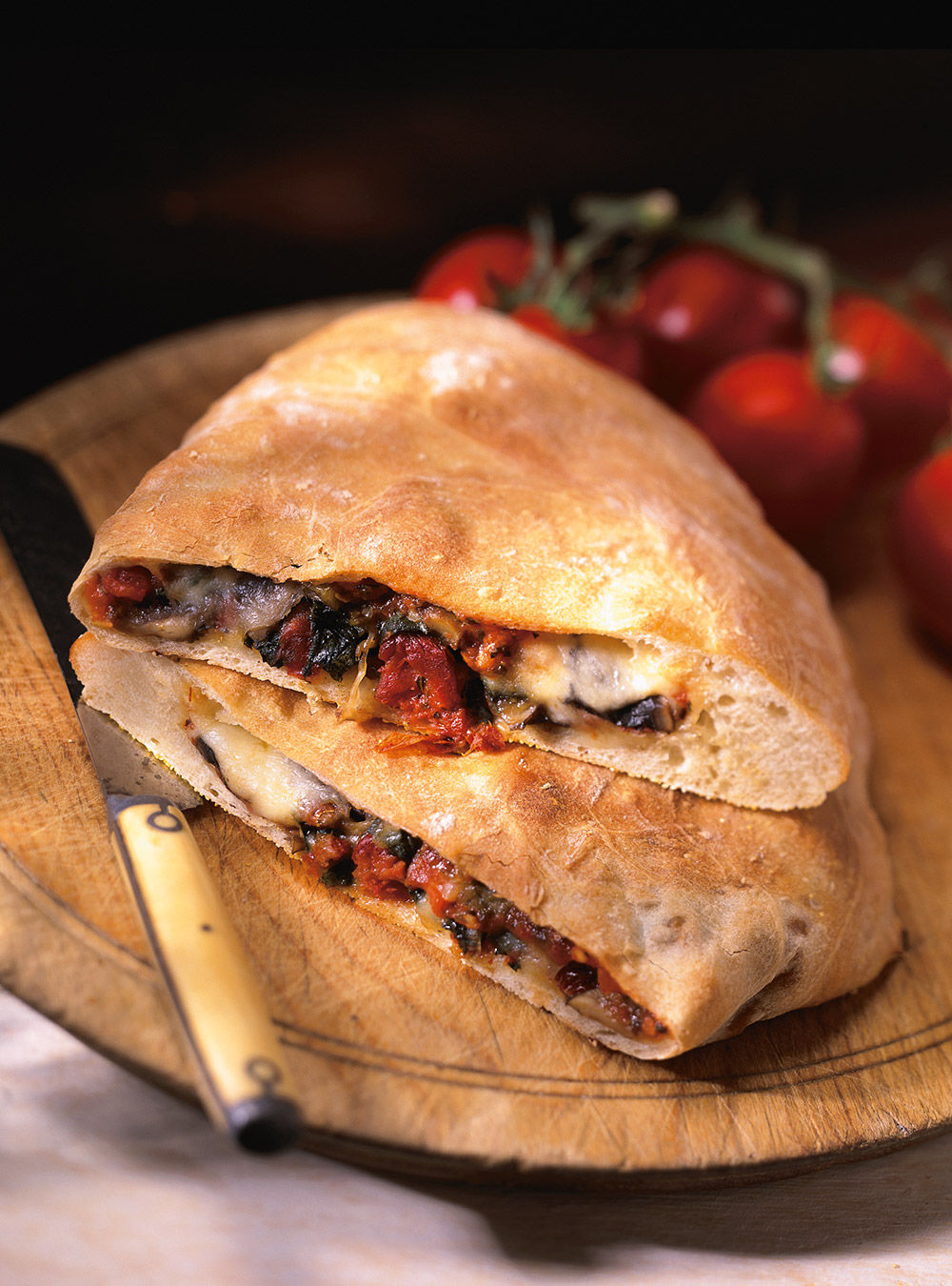 Calzone aux légumes et au salami de calabre (calabrese) | ricardo