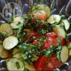 Recette salade de courgettes et tomates au basilic – toutes les ...