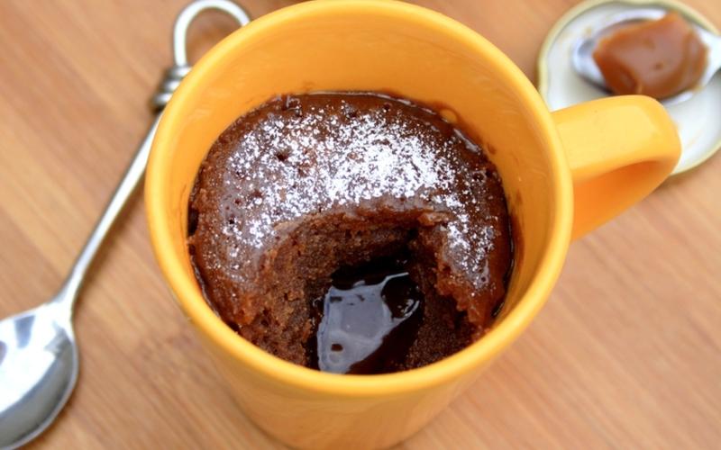 Recette Mugcake Chocolat Caramel Au Coeur Coulant Pas Chere Et